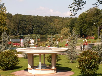 Parc thermal - Kiosque de Forges-les-Eaux
