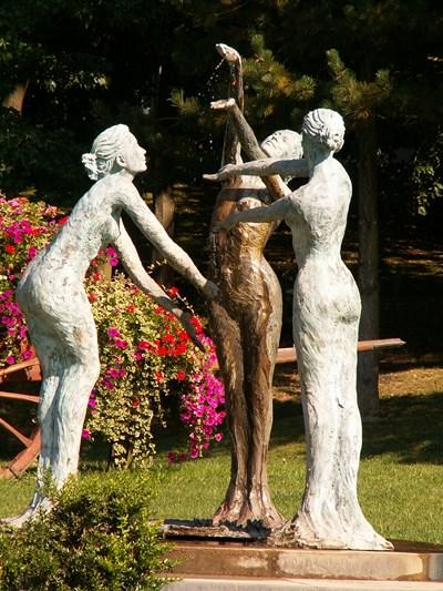 Statue des trois sources à Forges-les-Eaux